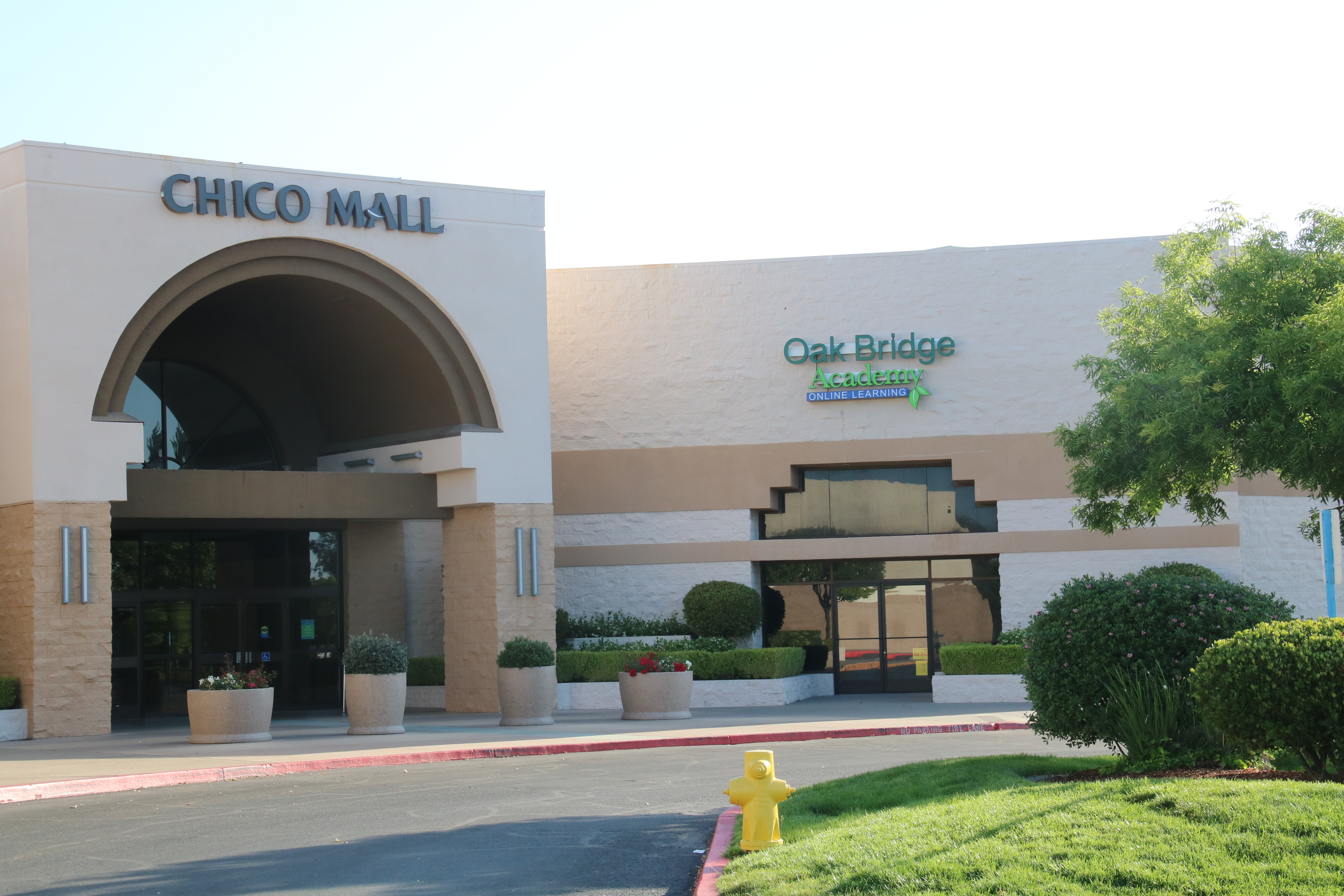 Photo of the Chico Mall and the Oak Bridge Academy Entrance